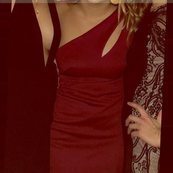 JS Collections Dresses & Skirts - Wine red evening gown